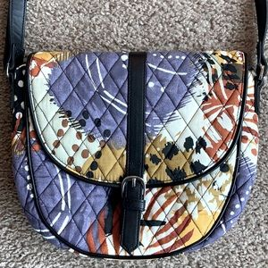 Vera Bradley Small Quilted Purse.
